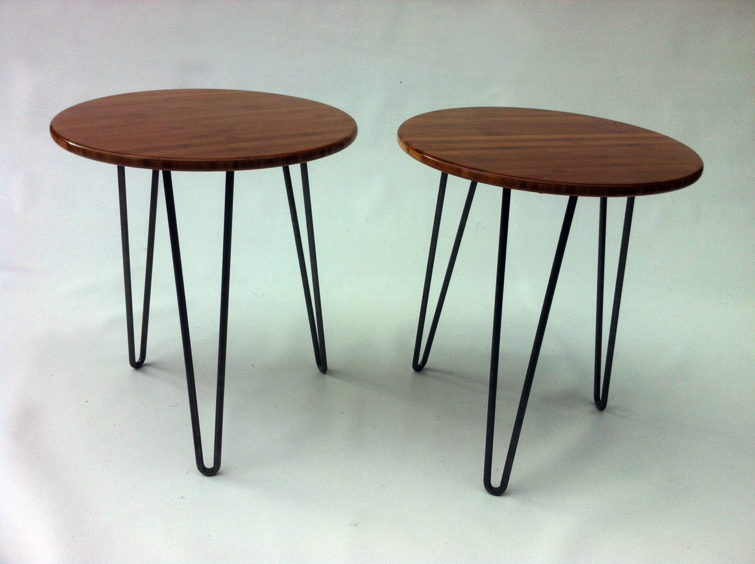 Pair of 20 round mid century modern side tables atomic for Modern side table